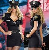 婦人警官アーミ